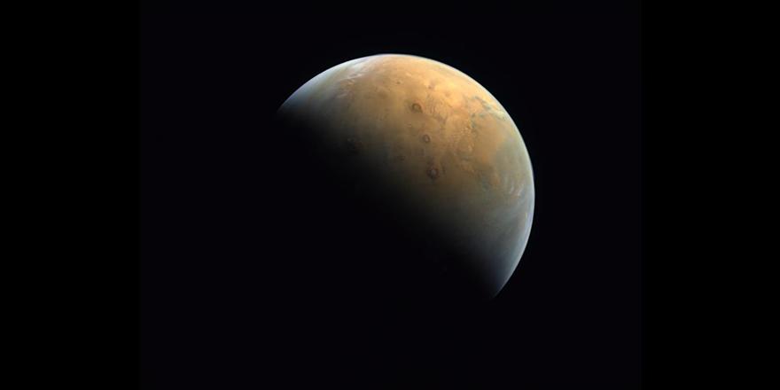 BAE'ye ait Umut sondası, çektiği ilk Mars fotoğrafını Dünya'ya yolladı