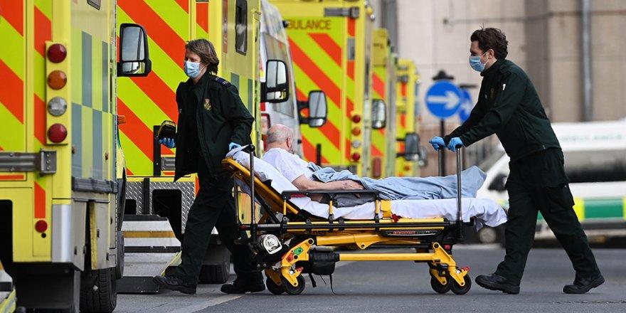 İngiltere'de son 24 saatte Covid-19'a bağlı 258 can kaybı