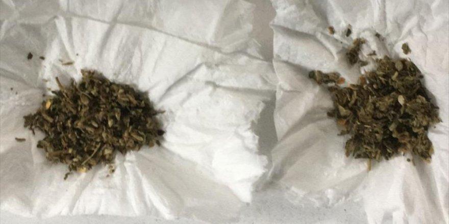 Aydın'da maskesinde uyuşturucu sakladığı belirlenen şüpheli yakalandı