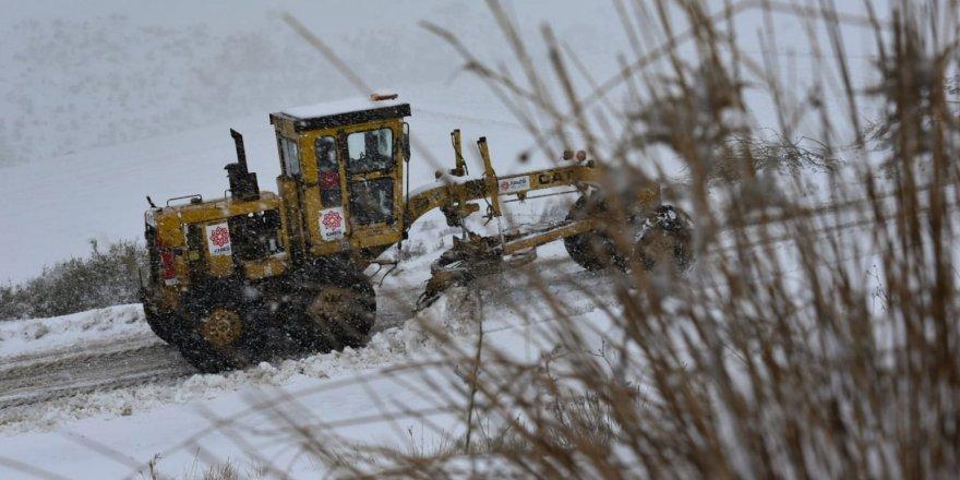 Balıkesir'de 57 köy yolu kapandı