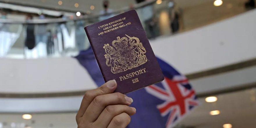 İngiltere'de aşı pasaportu rahatsızlığı büyüyor: On binlerce imza toplandı