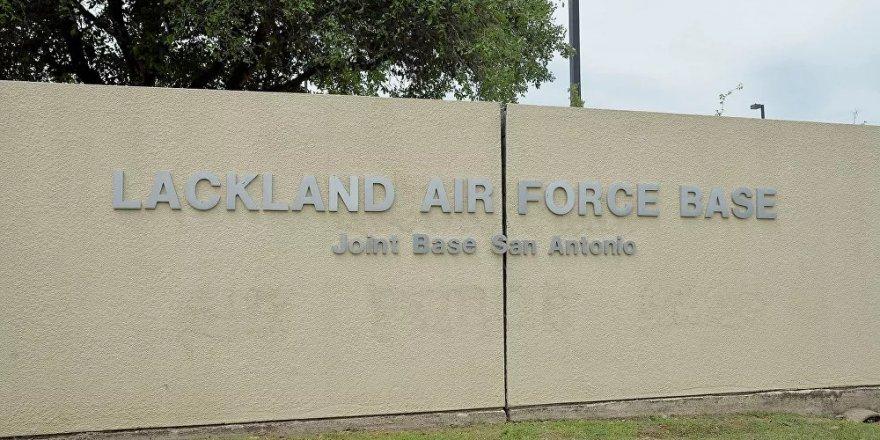 ABD Lackland Hava Kuvvetleri ve San Antonio Ortak Üssü'nde silahlı saldırgan alarmı