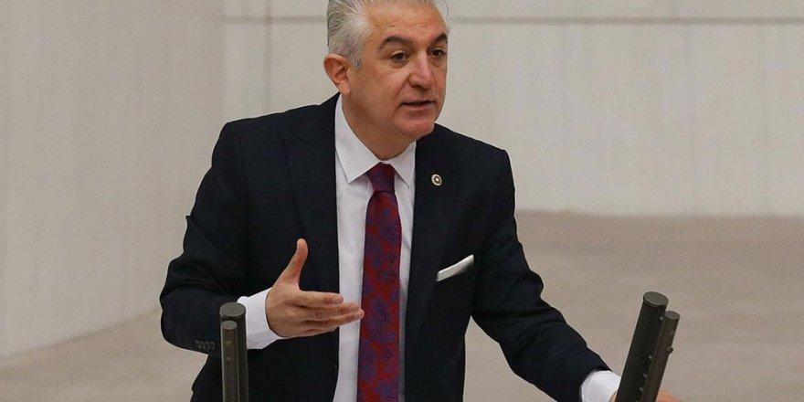 Milletvekili Teoman Sancar'a şantaj yaptığı iddia edilen 4 sanık hapis cezasına çarptırıldı