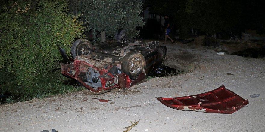 Muğla'da takla atan otomobilden fırlayan sürücü yaralandı