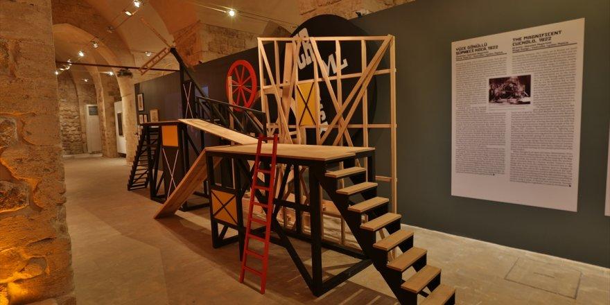 """Mardin'de """"Rus Avangardı. Sanat ve Tasarımla Geleceği Düşlemek"""" sergisi açıldı"""