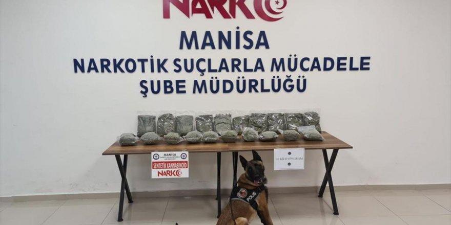 Manisa'da yolcu otobüsünde 10 kilogram uyuşturucuyla yakalanan 2 şüpheli tutuklandı