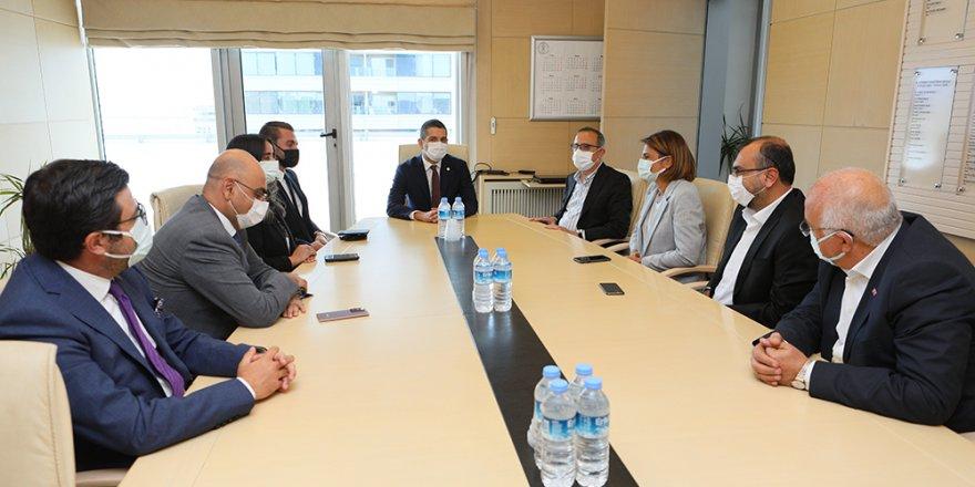 Başkan Sürekli, İzmir iş dünyası temsilcileriyle buluştu