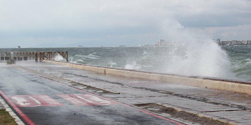 İzmir'de fırtına kabusu geri döndü