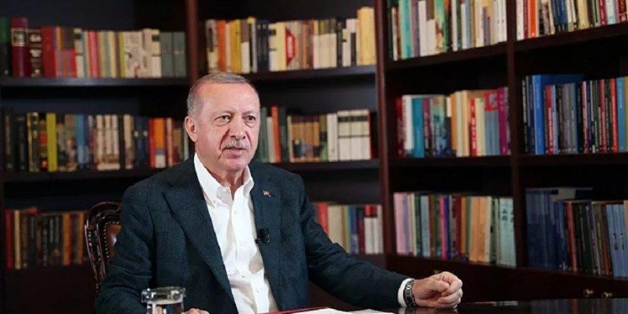 Cumhurbaşkanı Erdoğan: Yıkılmadık, ayaktayız