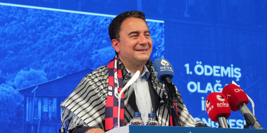 DEVA Partisi Genel Başkanı Babacan, Ödemiş'te partisinin ilçe kongresine katıldı