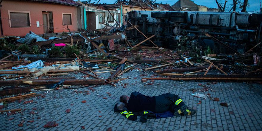 Çekya'yı fırtına vurdu: 3 ölü