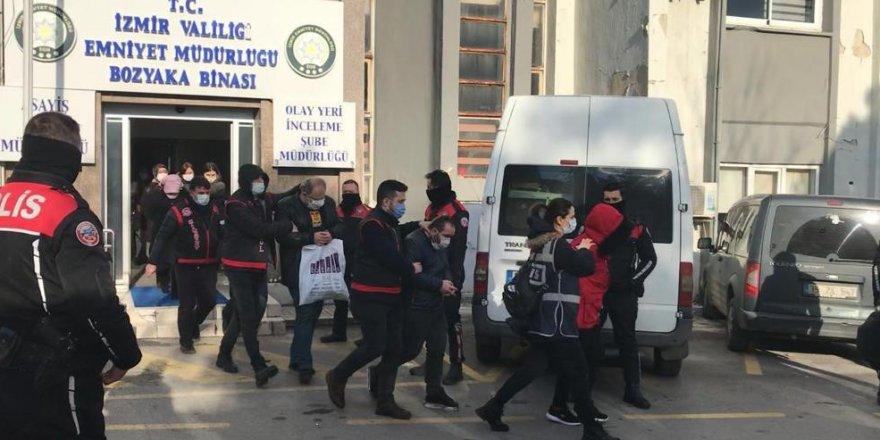 Şehit, gazi ve çocukları adına binlerce lira toplayıp dolandırmışlardı: 22 kişi adliyede