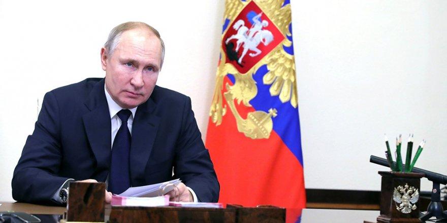 """Putin'den seçim açıklaması: """"Rusya'nın egemenliğine yönelik herhangi bir darbeye izin vermeyiz"""""""