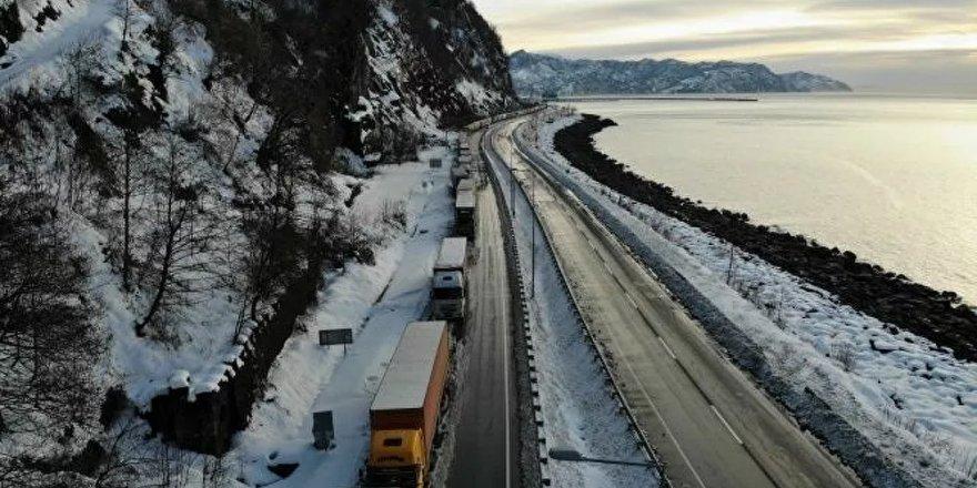 Tır şoförleri, Rusya-Gürcistan sınırında mahsur kaldı