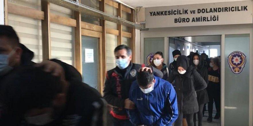 Şehit ve gazileri kullanarak dolandırıcılık yaptıkları belirlenen şüphelilerden 7'si tutuklandı