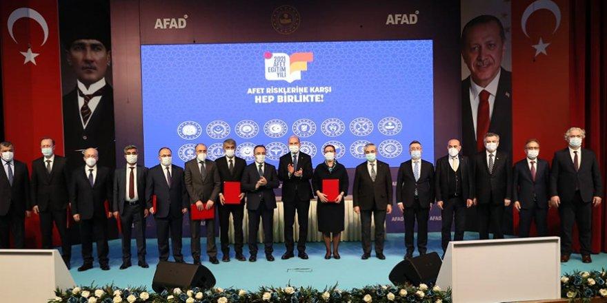 """AFAD ile bakanlıklar arasında """"Afet Farkındalık Eğitimleri İş Birliği"""" protokolleri imzalandı"""