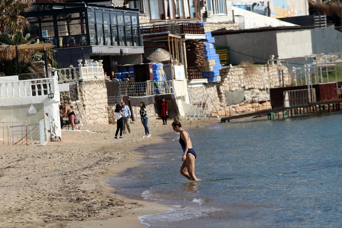 Aydın'da yerli ve yabancı turistler denizin keyfini çıkardı