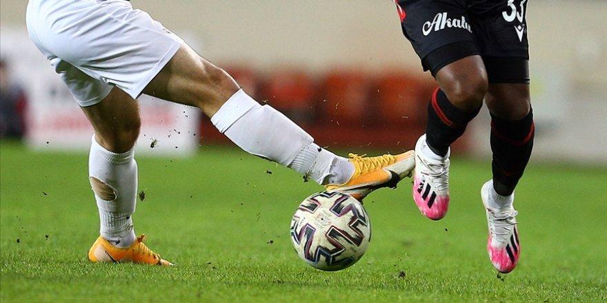 Süper Lig'de düşme hattındaki Denizlispor ile Gençlerbirliği yarın karşılaşacak