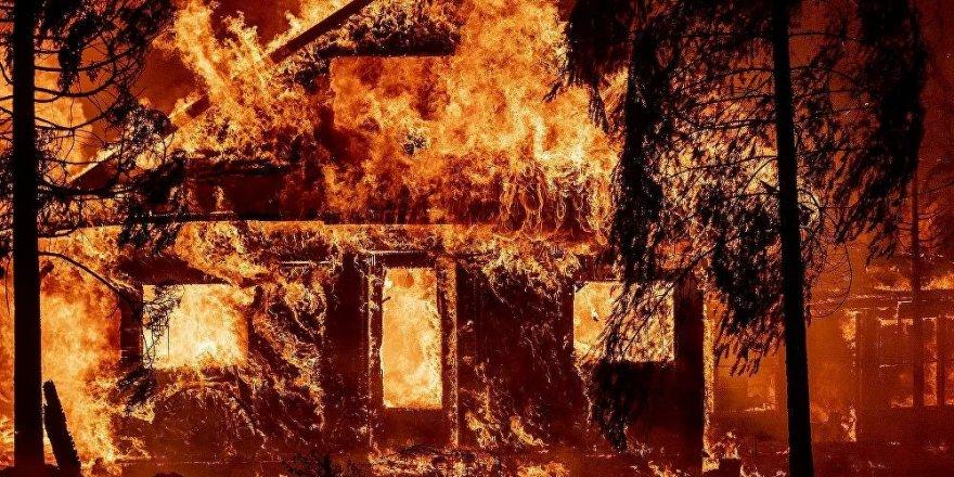 Kaliforniya'da orman yangınları sürüyor: Bir çok noktada acil durum ilan edildi, onlarca ev kullanılamaz halde