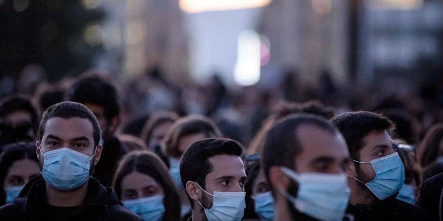 Yunanistan'da artan koronavirüs vakaları, kısıtlamaları sertleştirdi