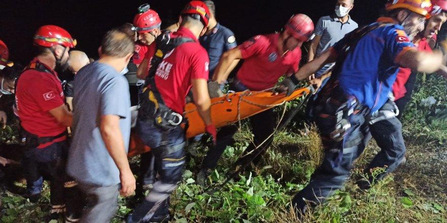 Otomobil, 200 metrelik uçuruma yuvarlandı: 1 ölü