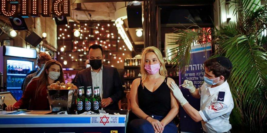 İsrail'de 'aşı olana içki hediye' kampanyası