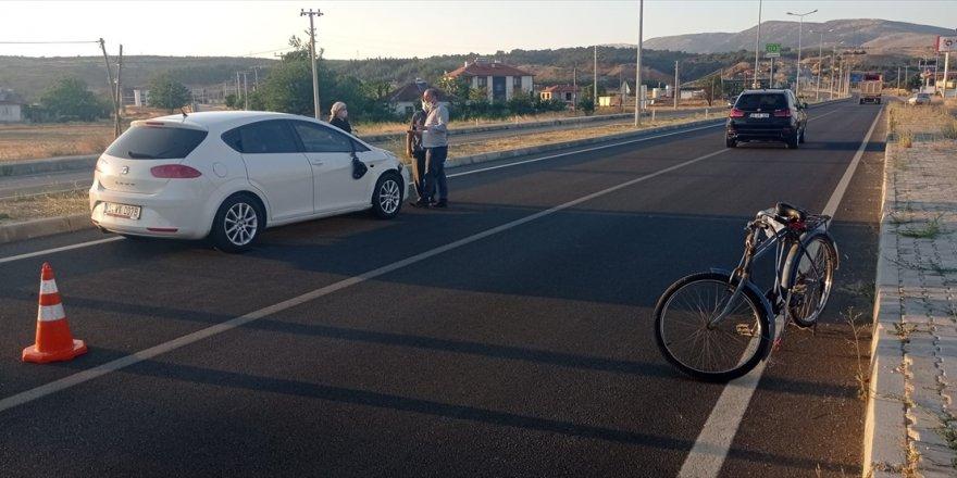 Denizli'de otomobilin çarptığı bisiklet sürücüsü hayatını kaybetti