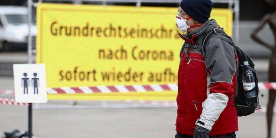 Almanya'da son 24 saatte Covid-19 nedeniyle 145 kişi öldü