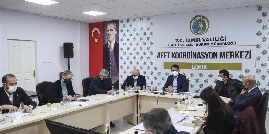Bakan Murat Kurum, İzmir'de AFAD İl Müdürlüğü Koordinasyon Toplantısı'na katıldı