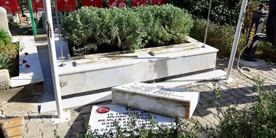 79 mezar taşı tahrip edildi: '2'si 15 Temmuz şehidine ait'