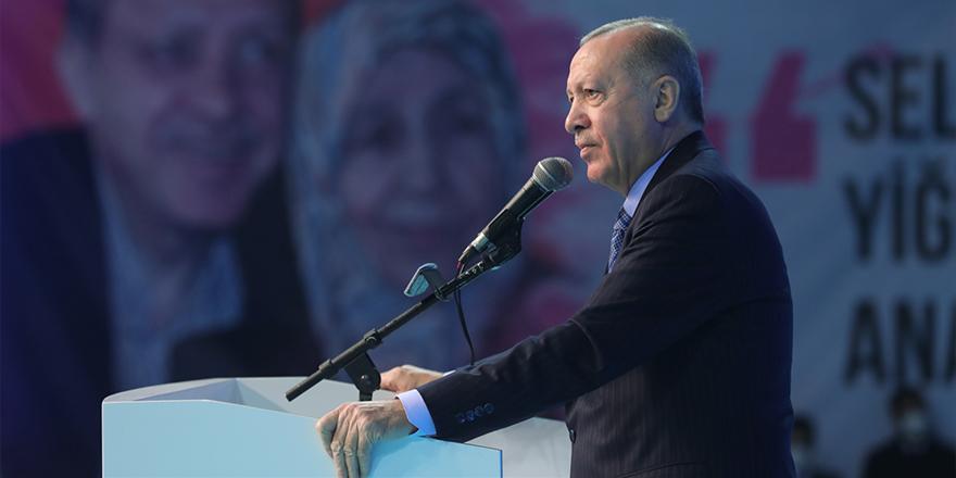 Cumhurbaşkanı Recep Tayyip Erdoğan, AK Parti'nin İzmir il kongresinde konuştu