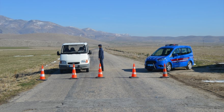 Afyonkarahisar'da bir köyde karantina uygulaması başlatıldı
