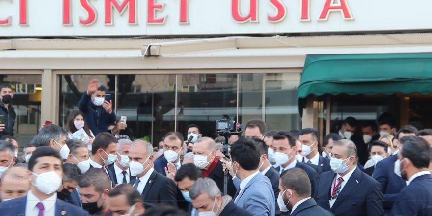 Cumhurbaşkanı Erdoğan'a İzmirlilerden büyük ilgi