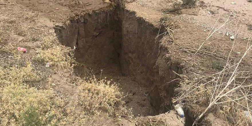 Konya'daki dev yarıkların oluşma sebebi açıklandı