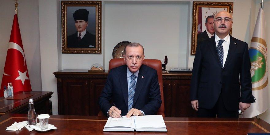 Cumhurbaşkanı Erdoğan, İzmir Valiliğini ziyaret etti