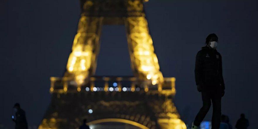 Paris'te bazı bölgelerde alkol tüketimi yasaklandı