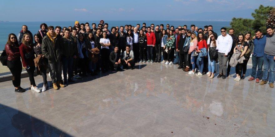 Burhaniye Belediyesinden üniversite öğrencilerine müjde