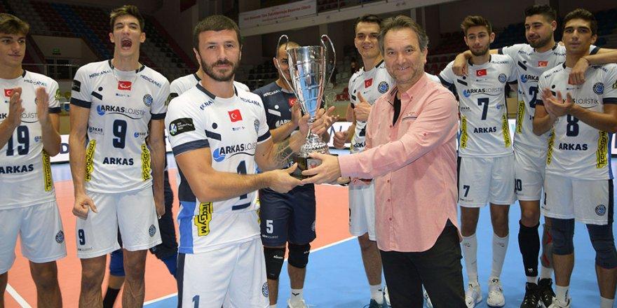 7. TSYD İzmir Voleybol Turnuvası'nın kazananı Arkas Spor