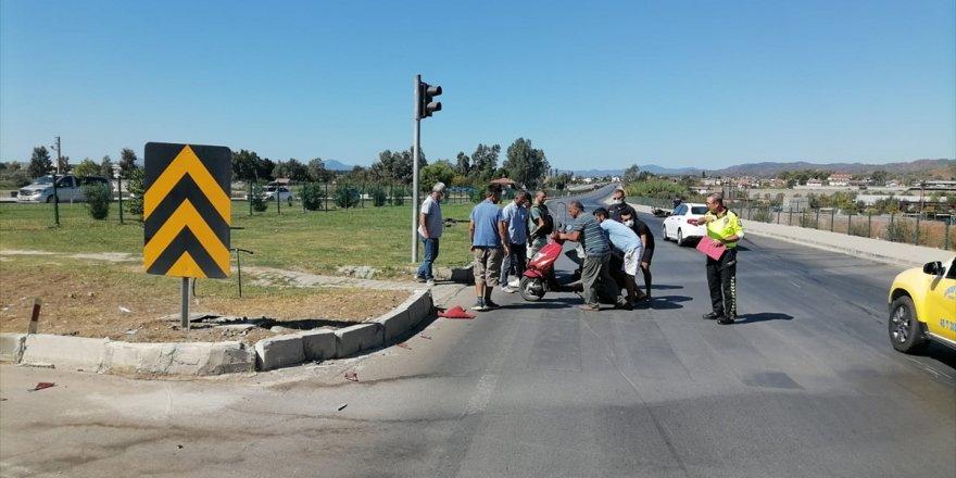 Fethiye'de çarpışan iki motosikletin sürücüleri yaralandı