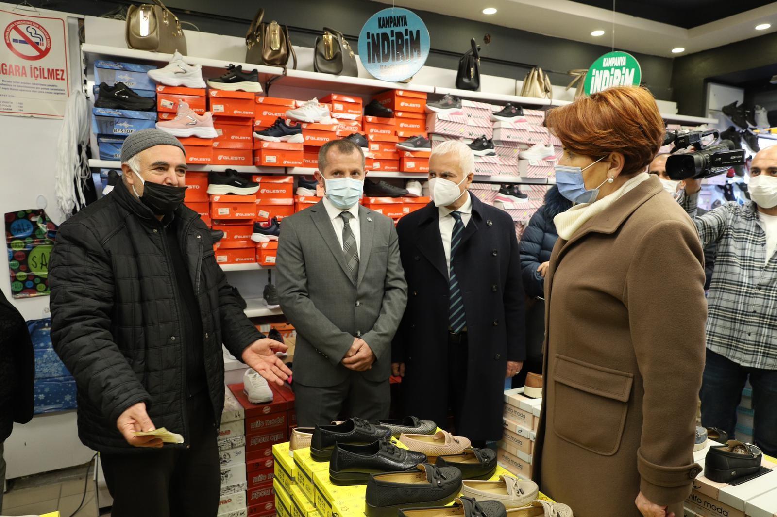 İYİ Parti Genel Başkanı Akşener'den esnaf ziyareti