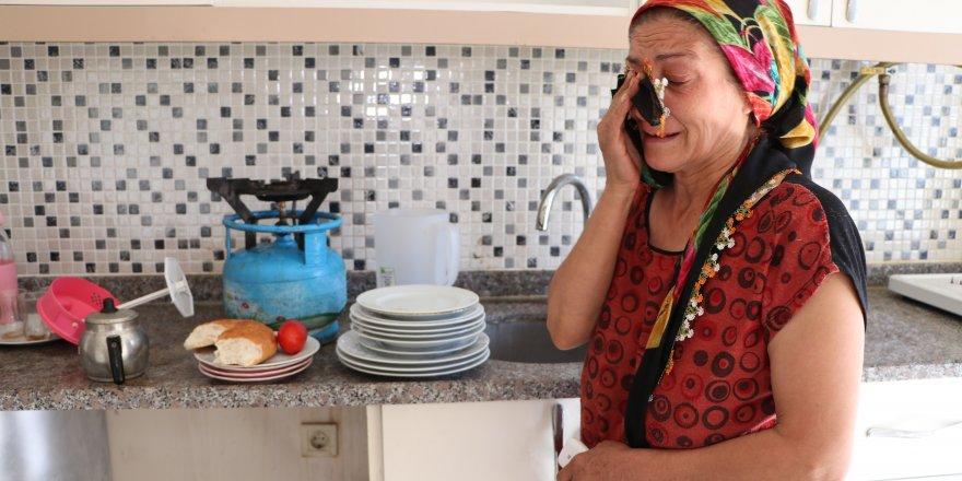 Eşi tarafından terk edilen kadın kirayı ödeyemediği için evden atıldı