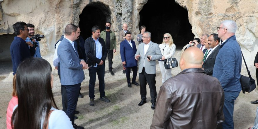 Festival için Afyonkarahisar'a gelen büyükelçiler Frigya'yı gezdi