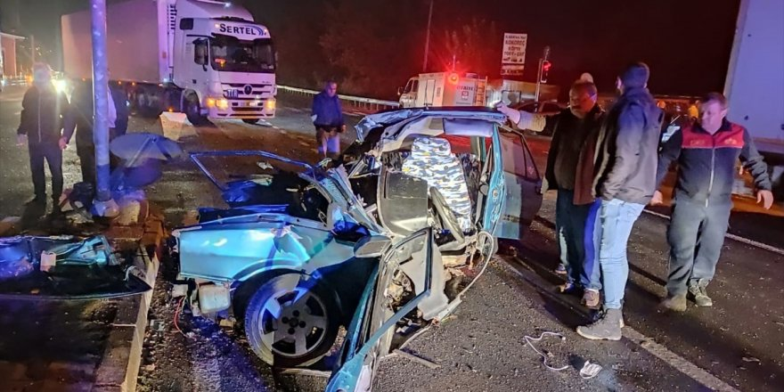 Aydın'da kamyonla otomobilin çarpışması sonucu 1 kişi yaralandı