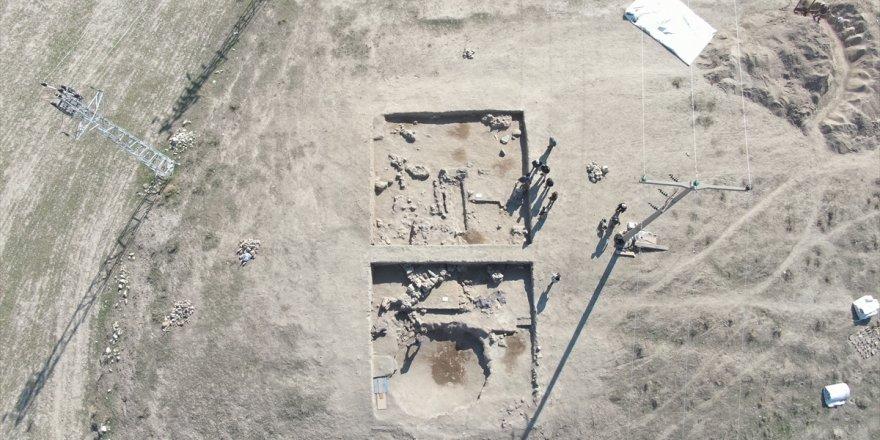 Puruşhanda olduğu düşünülen antik kentin ilk duvarları gün yüzüne çıkartıldı