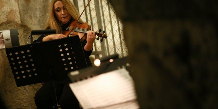Mozart'ın eserleri, İzmir Agora Örenyeri Basilika'sında sanatseverlerle buluştu