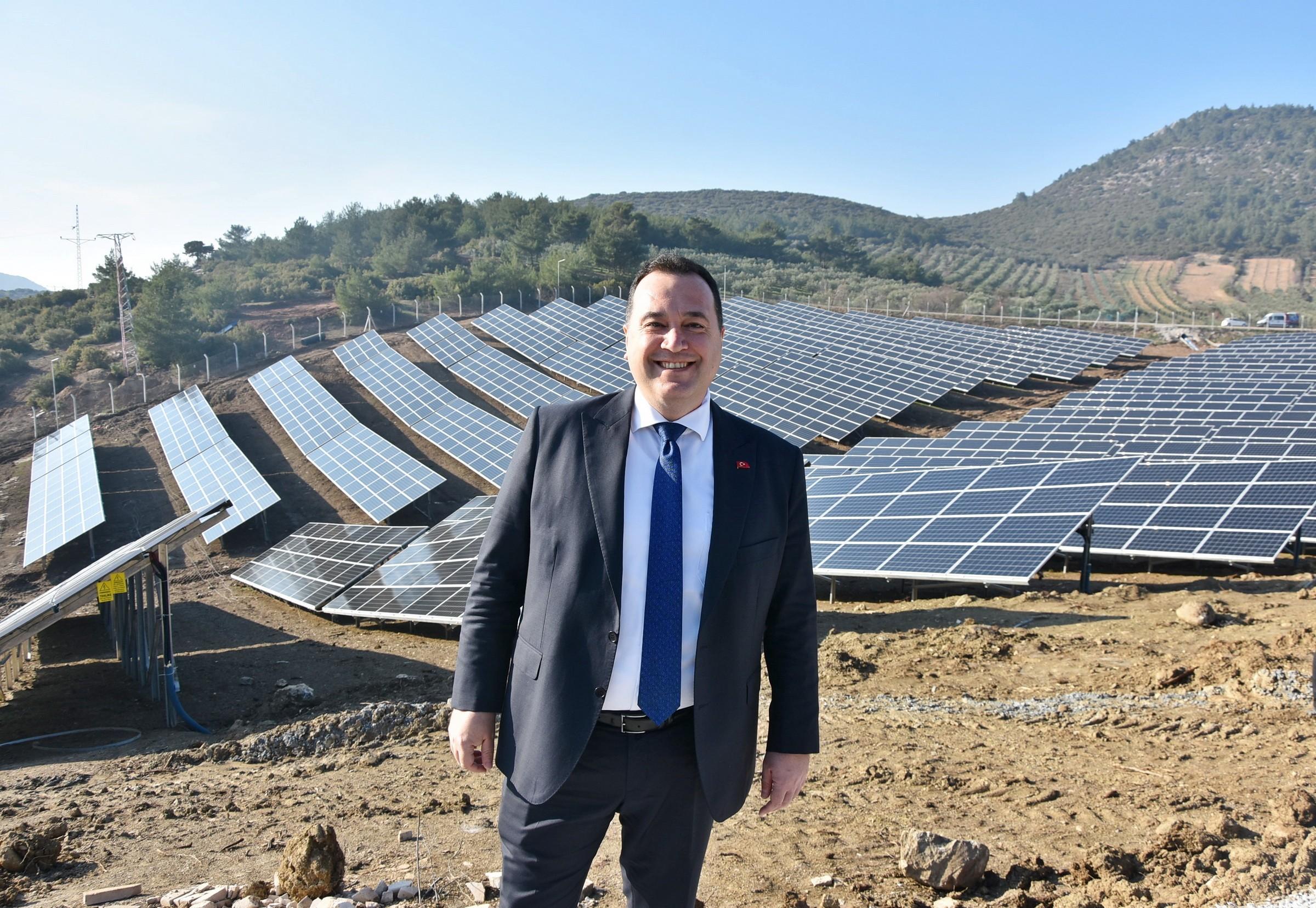 Akhisar Belediyesi güneş enerjisinden elektrik üretmeye başladı