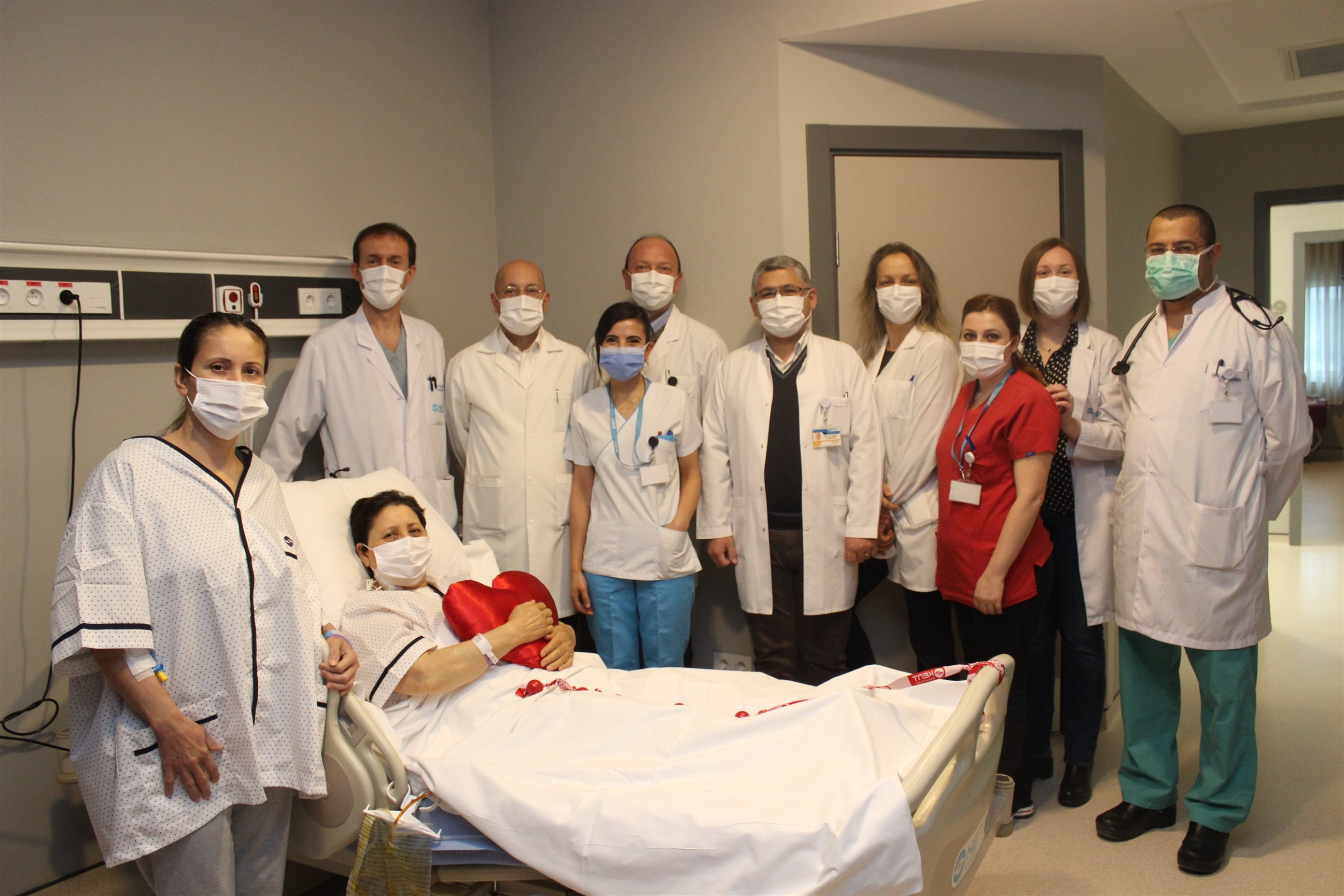 Aynı seansta bypass ve karaciğer nakli hayat kurtardı