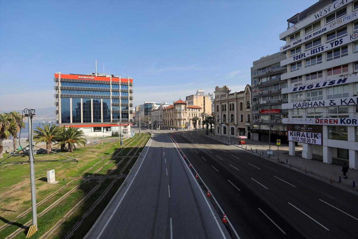 İzmir'de sokaklar sakin