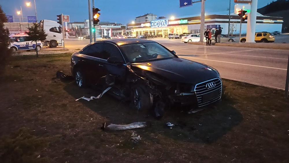 AK Parti Ordu Milletvekili Şenel Yediyıldız trafik kazası geçirdi