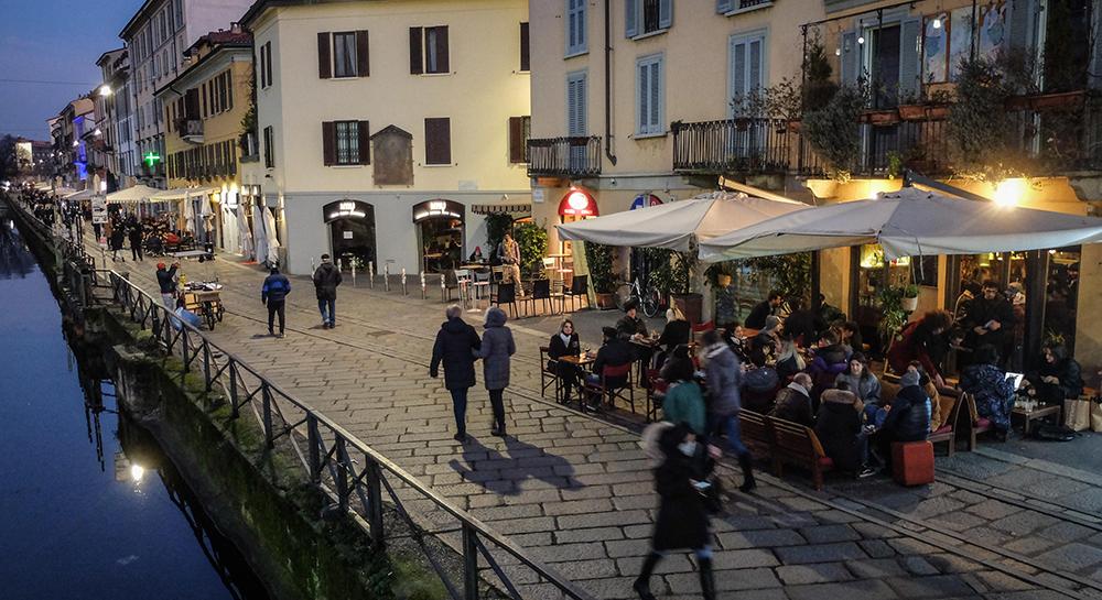 İtalya'da son 24 saatte Covid-19'a bağlı 270 can kaybı